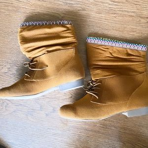 ✨NWT Bamboo women's Low Booties